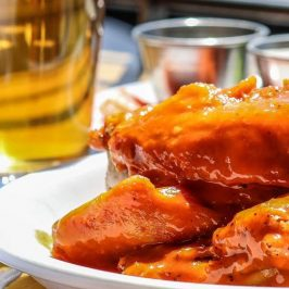 Hot wings 'n things.  Tossed in buffalo - mango jalapeño - spicy honey sriracha, how to decide? 🤗🍻